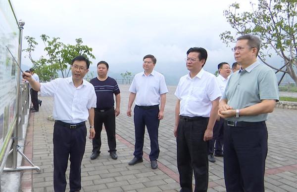 国机集团党委副书记、董事宋欣来我区调研脱贫攻坚工作